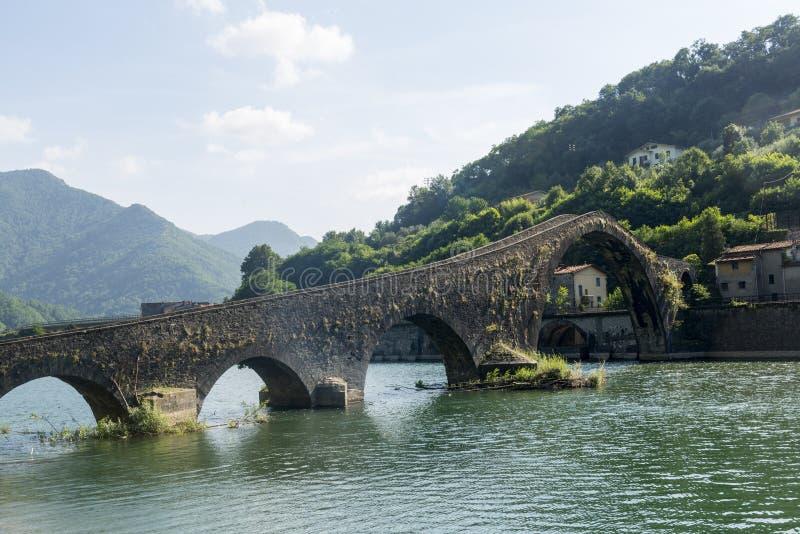 Ponte della Maddalena (Tuscany, Italien) arkivfoto