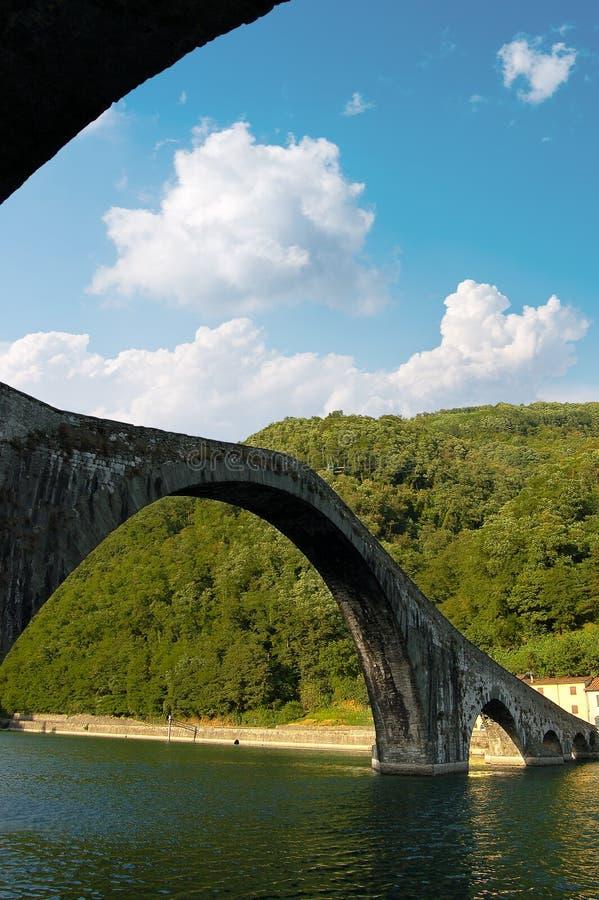 Ponte della Maddalena - Tuscany Italien royaltyfria bilder
