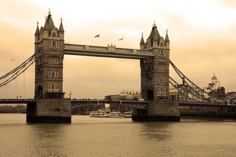 Ponte della torre sul tamigi a londra immagine stock for Ponte sul davanti della casa
