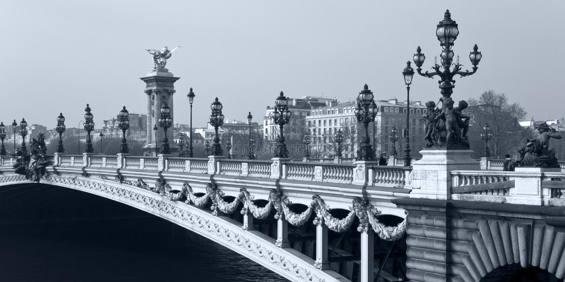 Ponte di Alessandro III a Parigi. La Francia. immagine stock libera da diritti