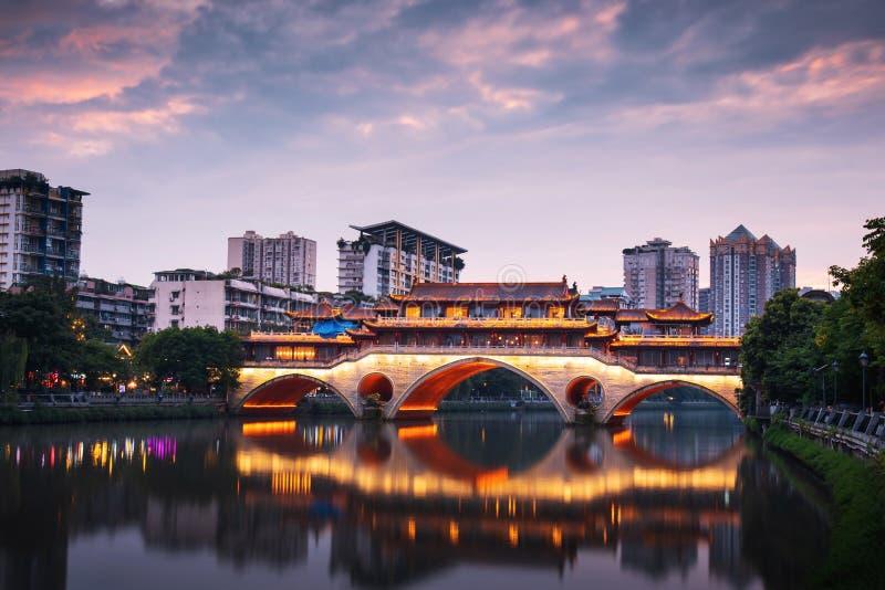 Ponte di Anshun a Chengdu in Sichuan, Cina fotografie stock