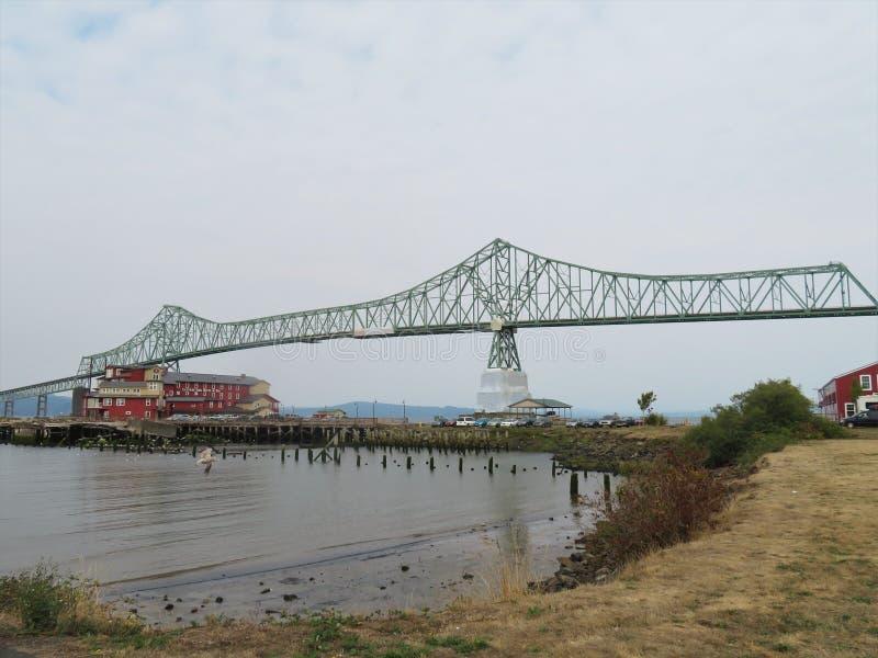 Ponte di Astoria-Megler, una trave a mensola dell'acciaio tramite il ponte di capriata fra Astoria, l'Oregon e Washington immagini stock