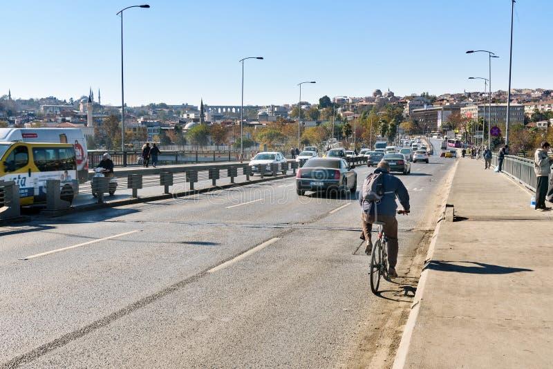 Ponte di Ataturk a Costantinopoli La Turchia fotografia stock