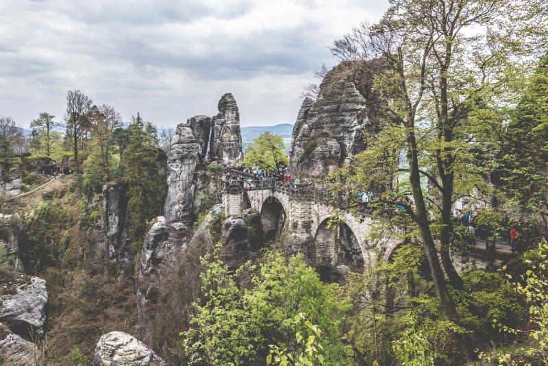 Ponte di Bastei, montagne dell'arenaria di Elba, parco nazionale di Saxon Svizzera, Germania fotografia stock