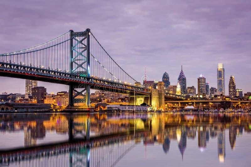 Ponte di Ben Franklin e orizzonte di Filadelfia, immagine stock libera da diritti