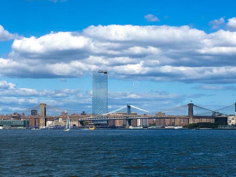 Ponte di Brooklyn e Torre Citi fotografia stock