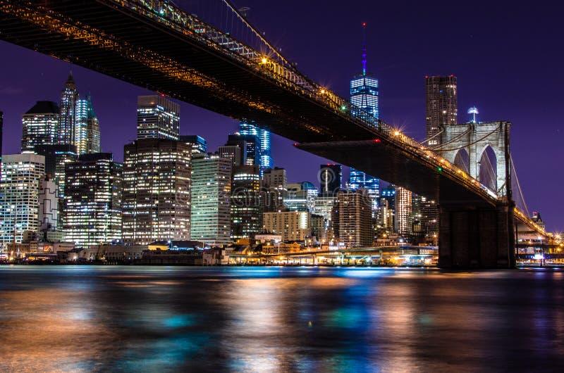 Ponte di Brooklyn - esposizione lunga fotografia stock libera da diritti