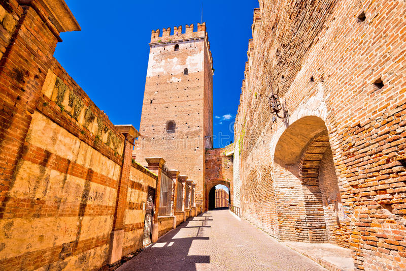 Ponte di Castelvecchio sul fiume di Adige a Verona fotografia stock