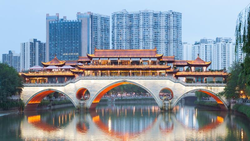 Ponte di Chengdu Anshun al crepuscolo fotografia stock libera da diritti