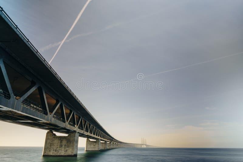 Ponte di Oresund fra Copenhaghen e Malmö immagini stock libere da diritti
