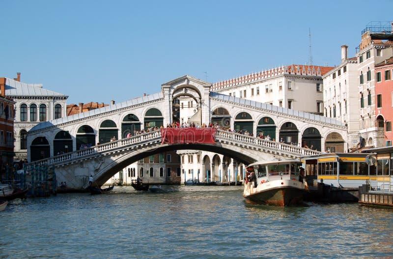 Ponte di Rialto - Veneza, Italy imagem de stock