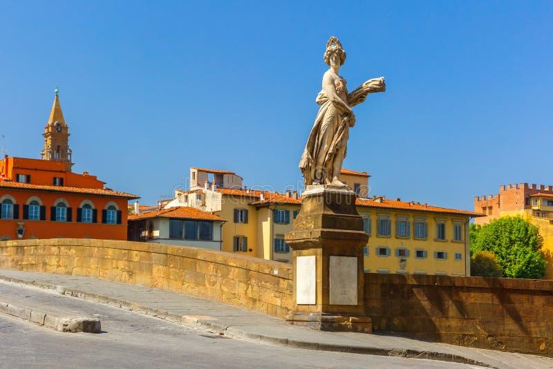 Ponte di Santa Trinita a Firenze, Italia immagine stock