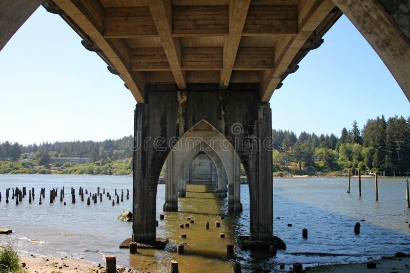 Ponte di Siuslaw a Firenze, Oregon fotografia stock libera da diritti