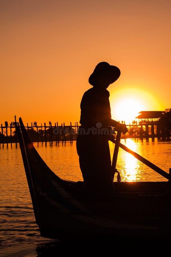 Ponte di U Bein, Amarapura, Myanmar fotografie stock libere da diritti
