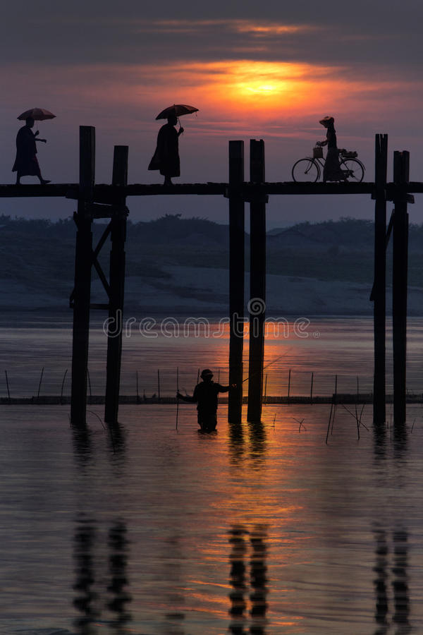 Ponte di U Bein - Mandalay - Myanmar immagine stock libera da diritti