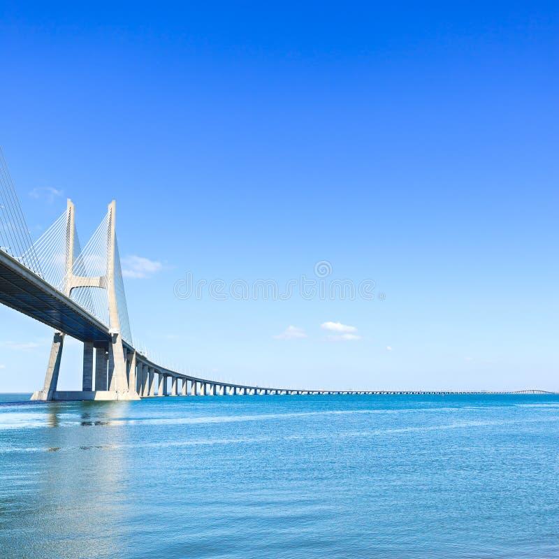 Ponte di Vasco da Gama sul Tago. Lisbona, Portogallo, Europa. fotografia stock libera da diritti