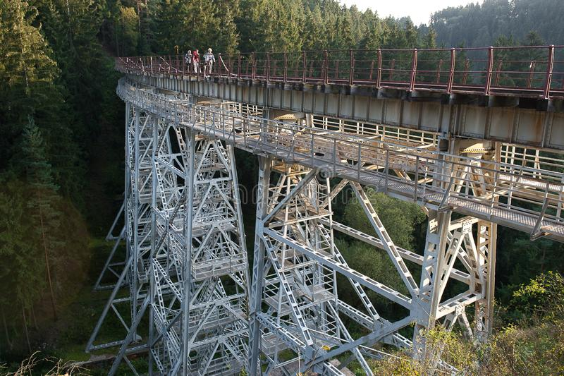 Ponte di Ziemsetal - un viadotto d'acciaio rivettato del beasm in Turingia, Germania, monumento tecnico fotografia stock