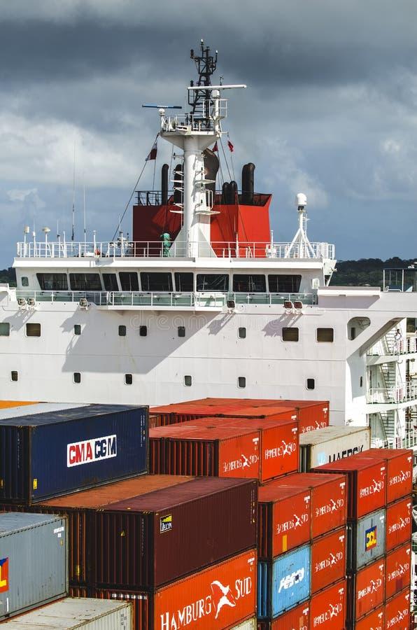 Ponte do controle do navio de um navio de carga foto de stock royalty free
