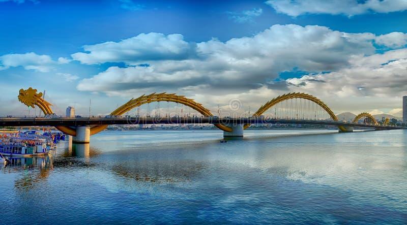 Ponte do dragão em um dia bonito fotografia de stock