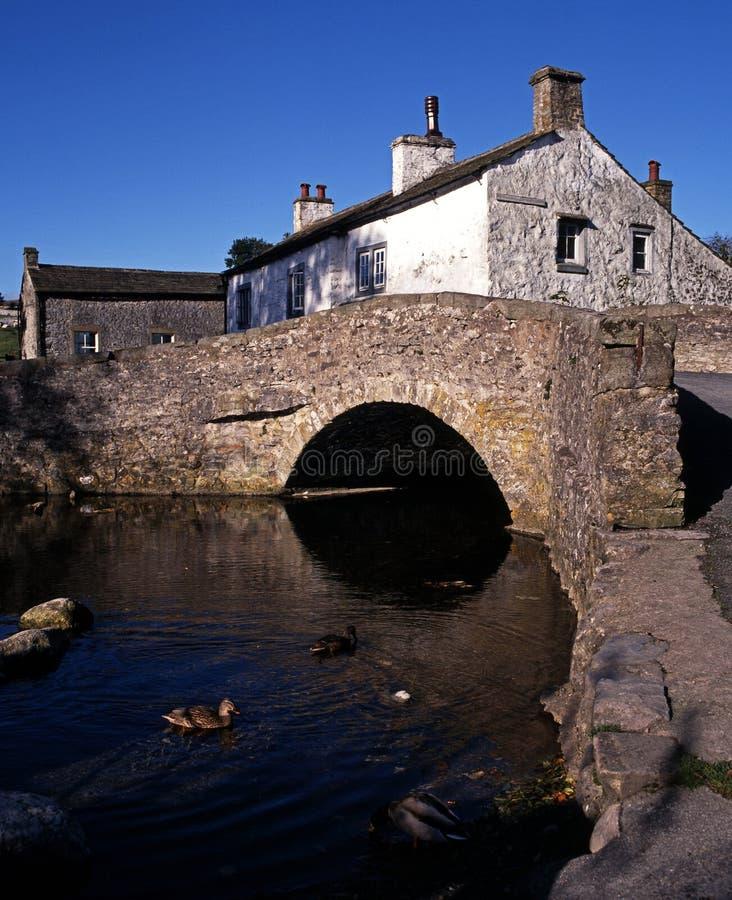 Ponte do Packhorse, Malham, Dales de Yorkshire, Reino Unido. fotos de stock