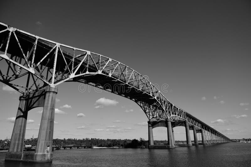 Ponte do rio de Calcasieu do vintage, ou ponte memorável da segunda guerra mundial de Louisiana imagens de stock