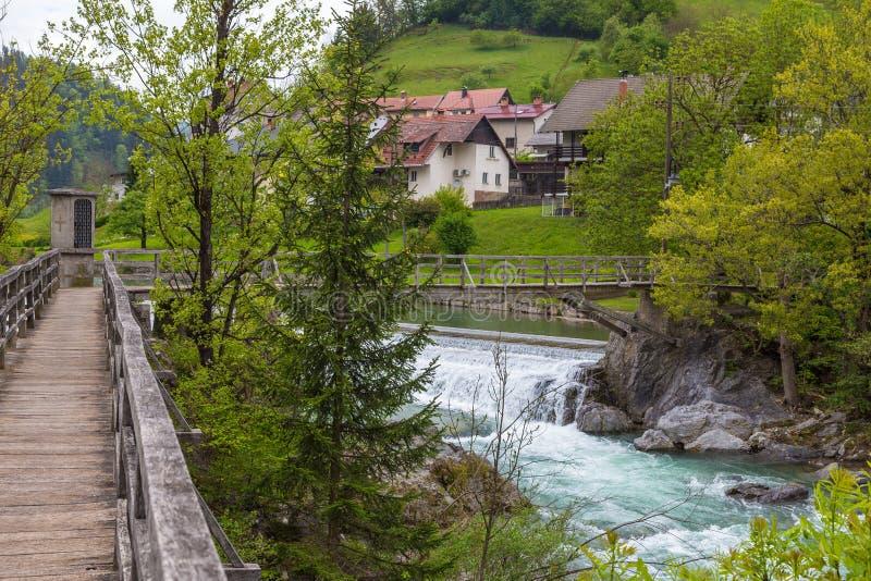 A ponte do ` s do diabo, passadiço de madeira em Skofja Loka fotos de stock royalty free