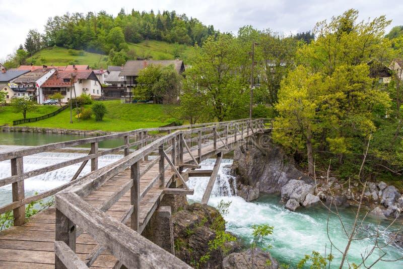 A ponte do ` s do diabo, passadiço de madeira em Skofja Loka imagem de stock royalty free