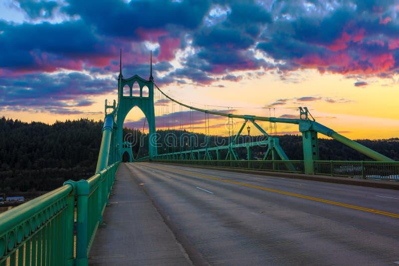 Ponte do St John em Portland Oregon, EUA fotografia de stock royalty free