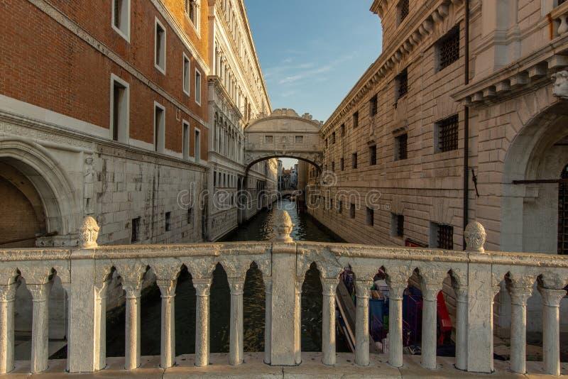 A ponte do suspiro em Veneza fotos de stock royalty free