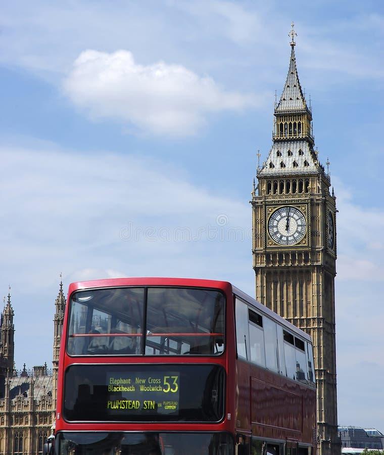 Ponte dobro vermelha e Ben grande Londres fotos de stock royalty free