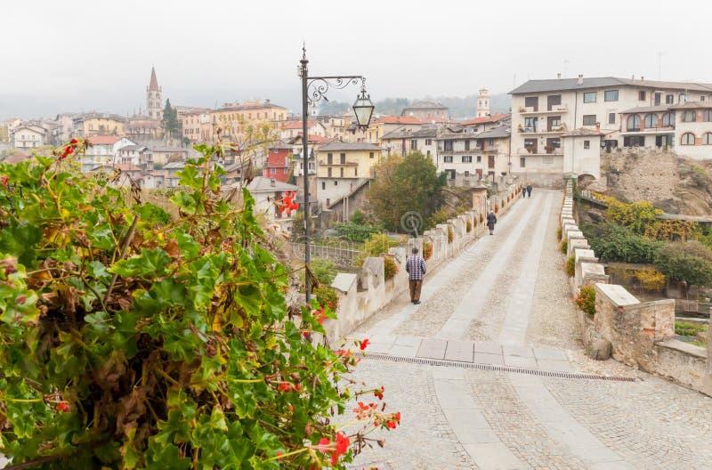 Ponte Dronero Cuneo Italia del diavolo s fotografie stock