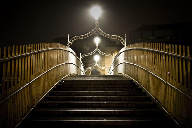 Ponte Dublin ireland do Halfpenny imagens de stock royalty free
