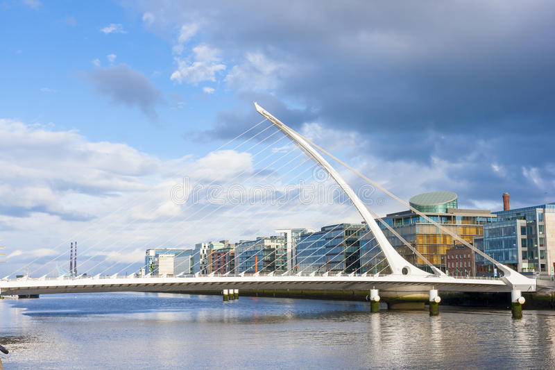 Ponte a Dublino fotografie stock libere da diritti