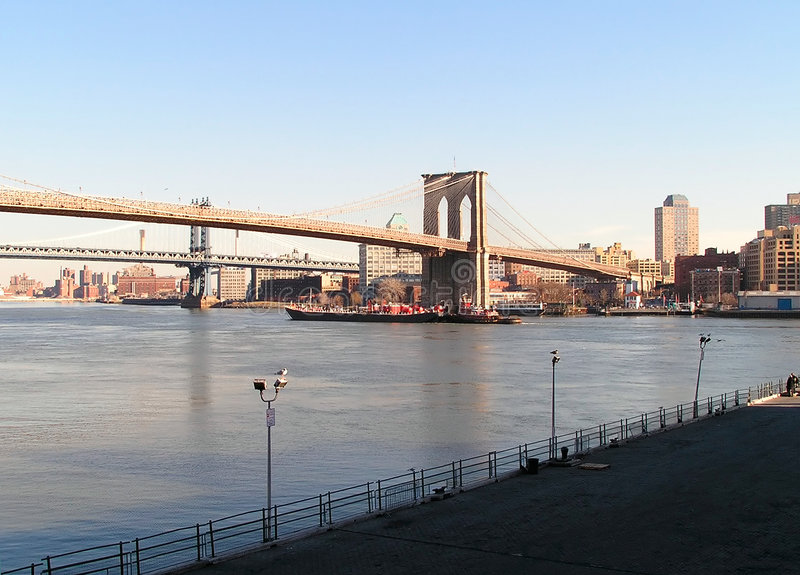 Download Ponte e barco de Brooklyn foto de stock. Imagem de transporte - 62330