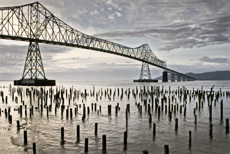 Ponte e beira-rio de Astoria imagem de stock