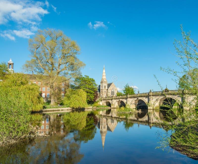 Ponte e fiume inglesi Severn Shrewsbury fotografia stock libera da diritti