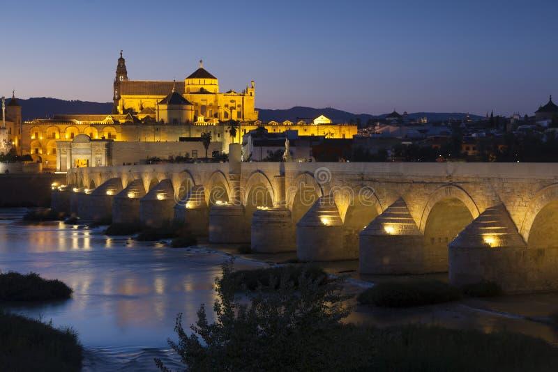 Ponte e moschea-cattedrale romani, Cordova immagine stock libera da diritti