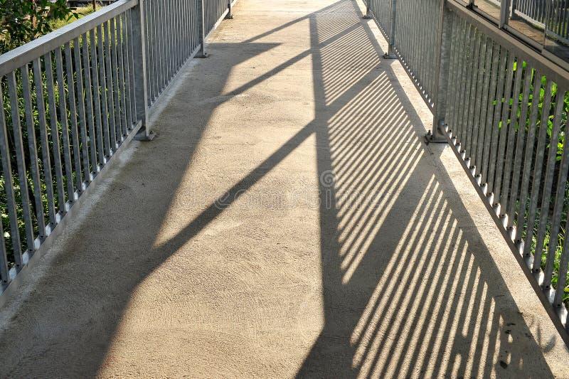 Ponte e sombra imagens de stock royalty free