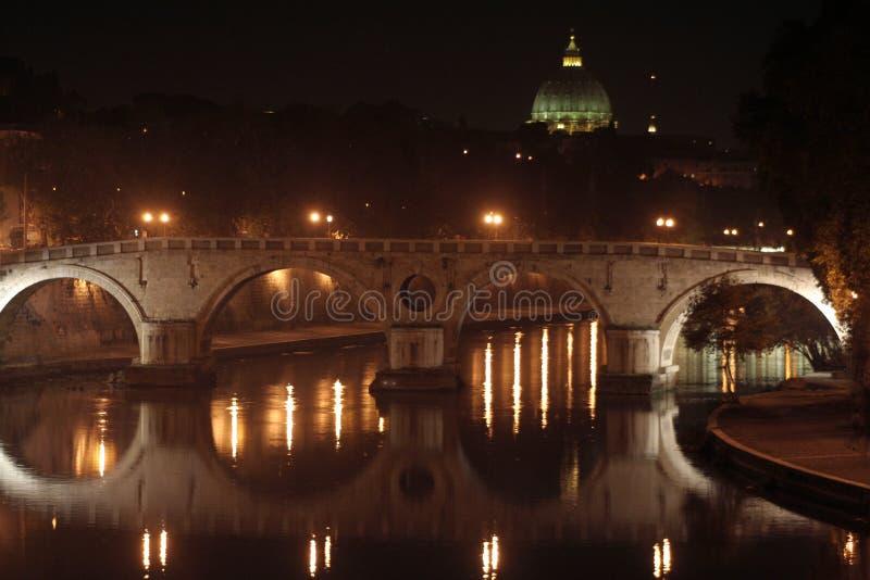Ponte e St. Peter no Tiber fotografia de stock