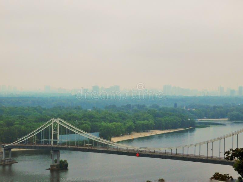 Ponte em Kyiv, Ucrânia foto de stock