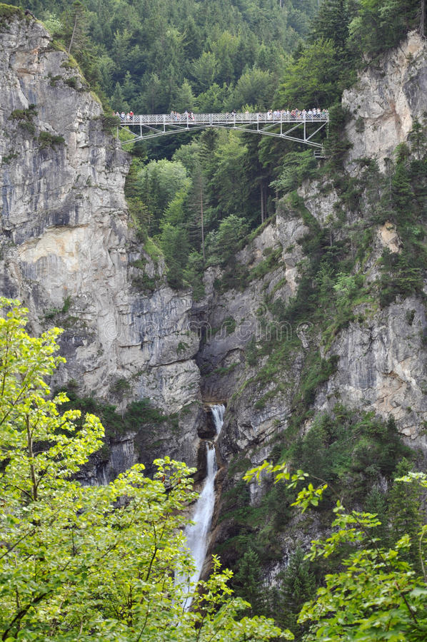 Download Ponte excitante foto de stock. Imagem de chasm, d0, garganta - 12806762