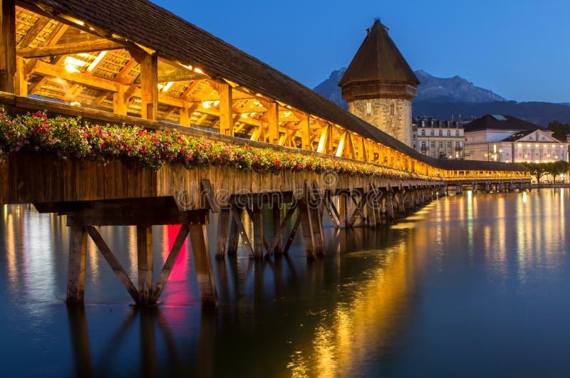 Ponte famosa da capela, lucerna, Suíça imagens de stock royalty free