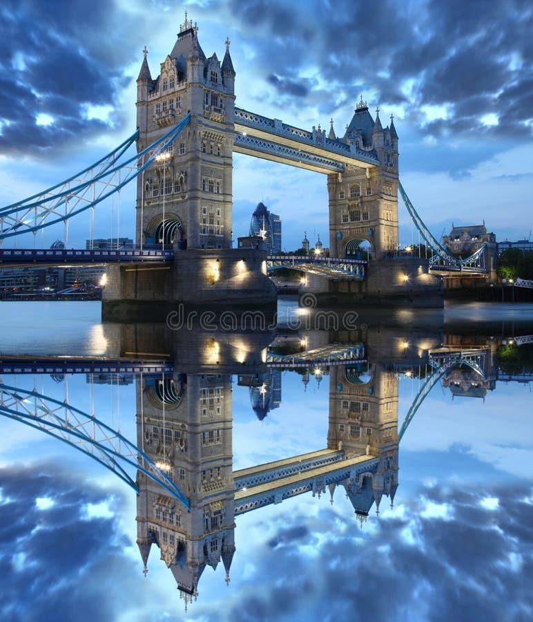 Ponte famosa da torre, Londres, Reino Unido imagens de stock royalty free