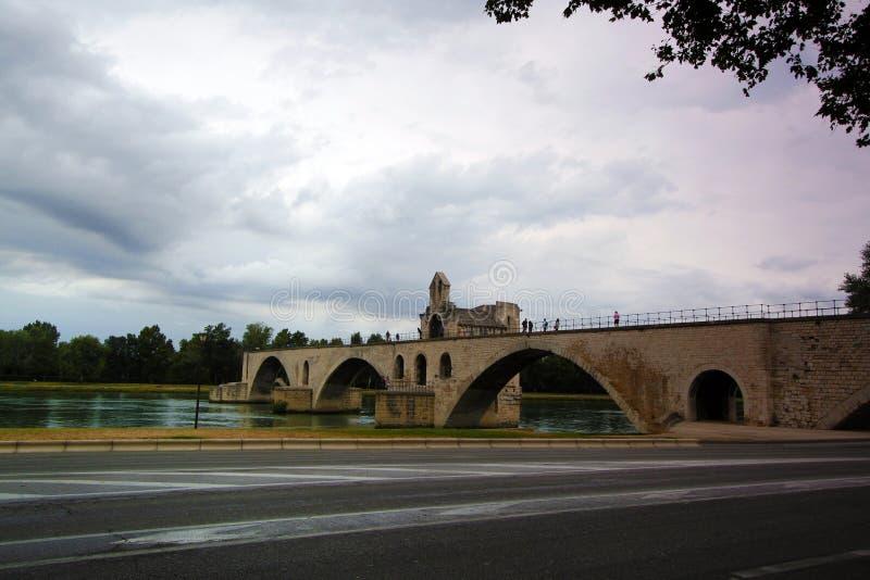 Ponte famosa de Avignon, França - Avignon fotos de stock royalty free