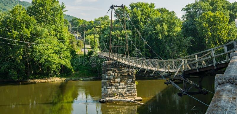 Ponte Histórica de Suspensão de Buchanan imagem de stock
