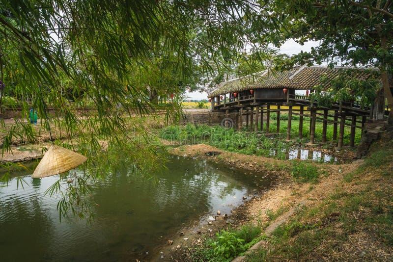 Ponte Japonesa, Ponte Thanh Toan Ponte no estilo oriental em Hue, Vietnã imagens de stock royalty free
