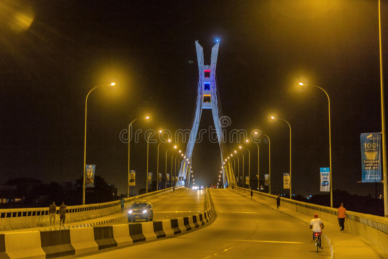 Ponte Lagos Nigeria di Ikoyi alla notte immagine stock libera da diritti