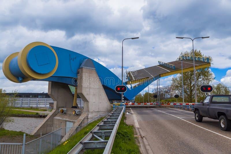 Ponte levadiça famosa em Leeuwarden Países Baixos imagens de stock royalty free