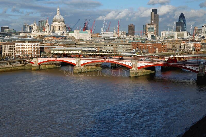 Ponte Londres de Blackfriars fotografia de stock royalty free