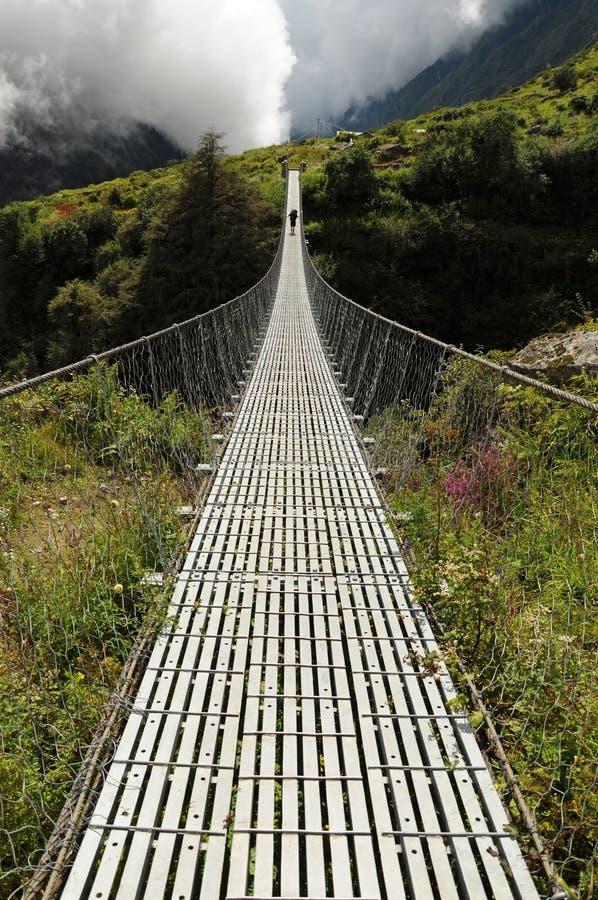 Ponte longa do pé da suspensão, Nepal imagem de stock